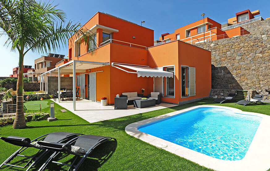 Modern well-equipped two bedroom villa with heatable private pool, BBQ area and view towards the golf course