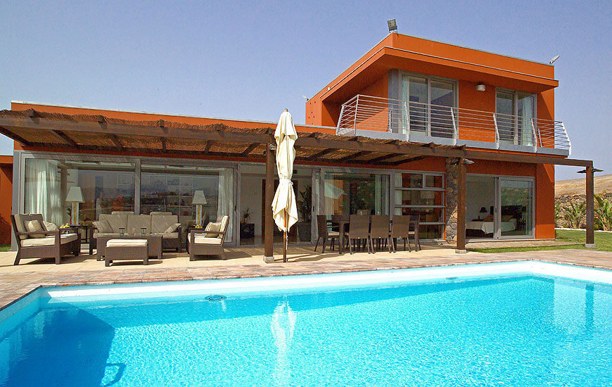 Stylishly 3 bedroom luxury villa with saltwater pool and nice terrace with outdoor seating